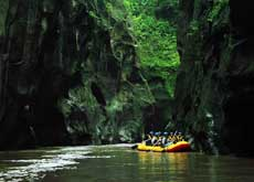 Rafting at the Pekalen river in East Java - Probolinggo