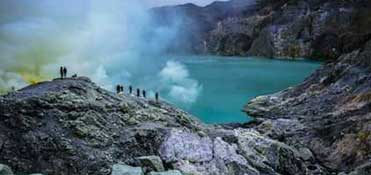 Volcano Ijen and its lake